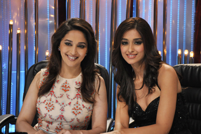 Madhuri Dixit with Ileana on the sets of Jhalak